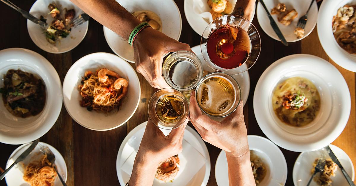 dobre jedlo a kvalitne napoje skvrny