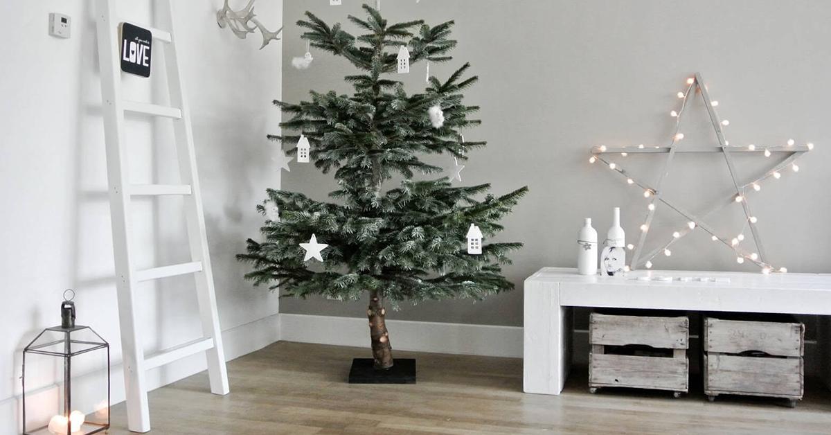 vianocny stromcek a vyzdoba minimalisticka v dome