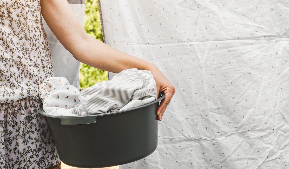 pranie posteľnej bielizne, vešanie posteľnej bielizne